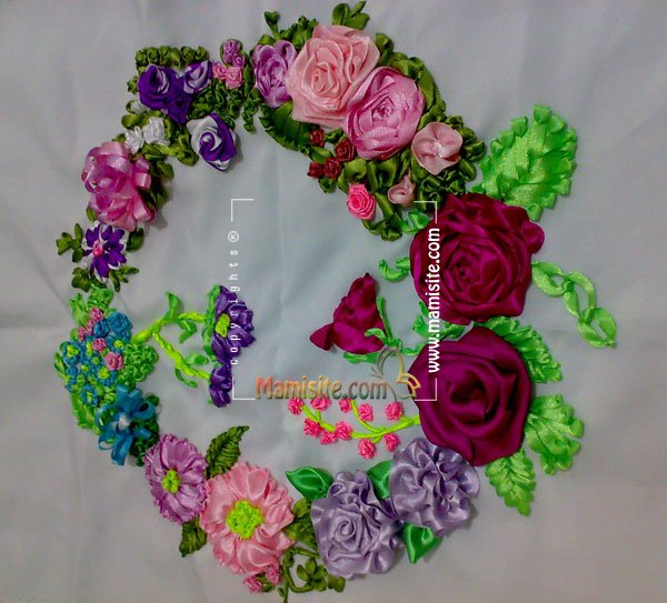 عکس های ربان دوزی http://mamisite.com/forum/ribbon-embroidery/topic3314-240.html