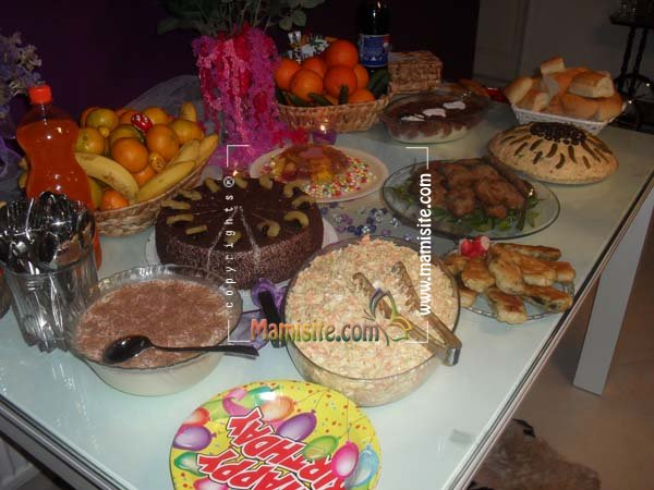 تزئینات میز شام http://mamisite.com/forum/decorated-food-table/topic450-384.html