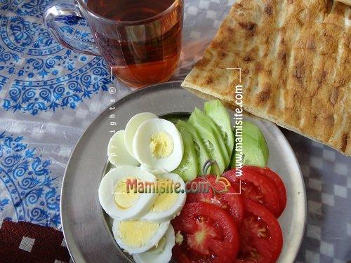 سر میز صبحانه.... - صفحه 46